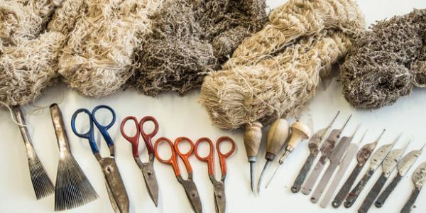 stoffe-mit-teppich-reparatur-werkzeugen